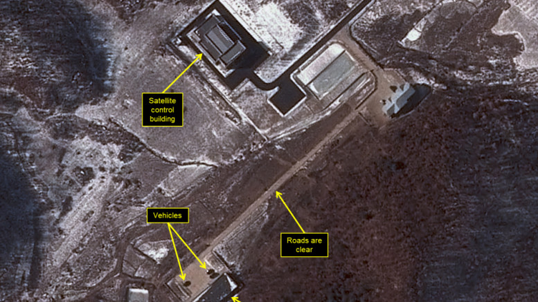 Roads cleared and vehicles present at the VIP housing. (Photo: Airbus Space and Defense and 38 North)